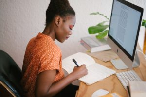 woman doing online learning