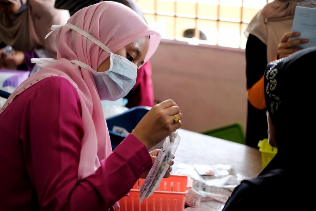 Muslim volunteer